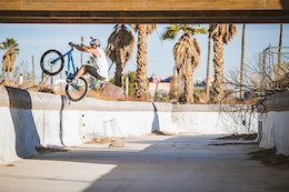 Video: Duncan Shaw Rides Trials in an Abandoned Waterpark