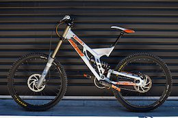 Now THAT was a Bike: John Kirkcaldie's 2006 Turner DHR