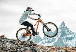 Video: Marine Cabirou Goes Flat Out in Champéry