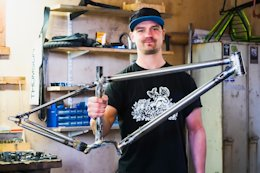 Reader Story: The Rig v1 – A Custom Hardtail Frame with a Pinion Gearbox