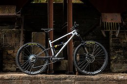 Starling Cycles' New Twist Has 160mm of Travel and Mixed Wheel Sizes