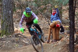 Video: How the Grinch (Almost) Ruined MTB Christmas