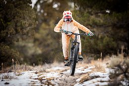 Video: Biking with Santa & His Reindeer in Oregon
