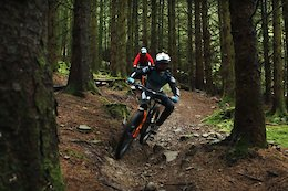 Video: Matt Walker Chases Danny Hart Through Bike Park Wales