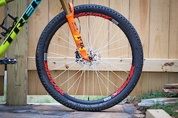 Review: Atomik's BERD XC33 Wheels Use Spokes That Look Like String