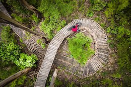 Video: Andrew Taylor Rides Rainforests & Staircases Down Under