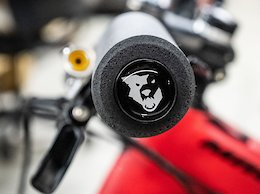 Wolf Tooth Components Announces New Mega Fat Paw Foam Grips