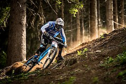 Video: Mondraker Athletes Ride Retro Downhill Bikes in Val di Sole to Celebrate 20 Years of Racing