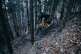 Video: EWS Privateer Matthias Stonig Training on the South Side of the Alps