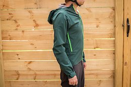 Pearl Izumi's Vortex Jacket and Elevate Shorts with BOA - Pond Beaver 2020