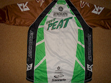 Win Steve Peat's Exclusive One off Race Kit!