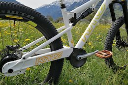 Katz Bikes Returns With an Enduro Bike with a 'Maintenance Free' Drivetrain