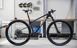 Video: Magura's New MCi Conceptbike Has Just 1 Visible Cable