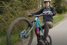 Video: How to Wheelie With Martha Gill & Bex Baraona
