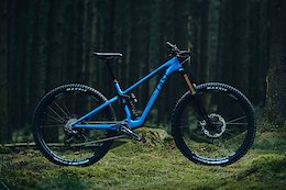 The 2020 Last Tarvo Claims to be the Lightest Enduro Frame Ever