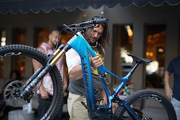 Bike Check: Jason Momoa's Aquaman Themed Specialized Turbo Levo