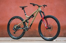 Bike Check: Cecile Ravanel's 2020 Commencal Meta AM 29