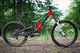 Bike Check: Luca Shaw's Santa Cruz V10: Downhill Southeast - Windrock 2020