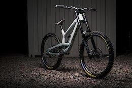 Bike Check: Ethan Nell's Desert-Ready YT Industries Tues