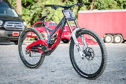 3 Pro Bikes from Downhill Southeast - Windrock 2020