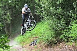 Video: Getting Loose on Dusty Trails with Bonehouse