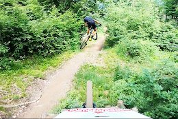 Video: Claudio Caluori Chases Nino Schurter Through the Jumps of Chur Bike Park