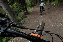 Video: Chasing A Bear & Shredding Bike Park at Sun Peaks With Jesse Melamed, Remi Gauvin, Miranda Miller & Lee Jackson