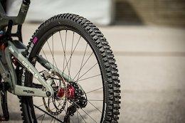 Bike Check: Nina Hoffmann's Santa Cruz V10 - iXS Cup Test Session