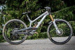 Bike Check: David Trummer's YT Tues - iXS Cup Test Session