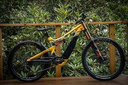 Video: Neko Mulally Builds an eMTB for the Bike Park
