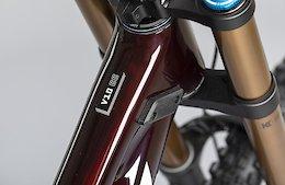 Santa Cruz Bicycles Releases Mixed Wheel V10