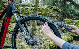 Video: ReTyre is a Modular Tyre That Lets You Zip on the Tread You Need