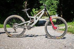 Bike Check: Walker Shaw's Santa Cruz V10 CC - Downhill Southeast - Windrock II 2020