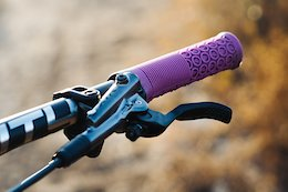 SDG Components Release the All New Thrice Grips