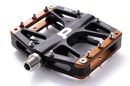 Carbon Neutral Brand Pembree Launches UK Made R1V Flat Pedals