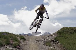 "Video: Pushing Hard on La Thuile's Alpine Trails in ""Amped"""