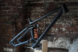 Kavenz Release a First Run of Frames for their Customizable High Pivot Enduro Bike