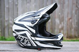 Review: Troy Lee Designs' D4 Carbon Helmet is a Worthy Successor