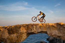 Video: Andrew Neethling Explores a Never-Ending Network of Trails in Cyprus