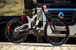 Bike Check: Myriam Nicole's Commencal Supreme Mullet