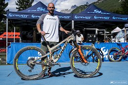 Brothers Bike Check: Comparing Wyn and Ed Masters' Bikes - EWS Zermatt 2020