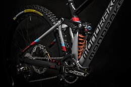 Mondraker Goes Aluminum Only on 2021 Summum Downhill Bike - Across the Pond Beaver