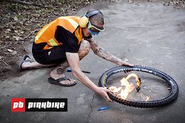 Video: Trying to Seat a MTB Tire with an Explosion