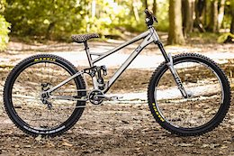 Bike Check: Billy Hoyes' Single Speed Banshee Rune Jib Machine