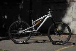 Video: Gamux Launches Runi Gearbox Enduro Bike and Marca Downhill Bike