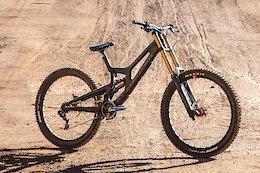 Bike Check: Ike Klaassen's Santa Cruz V10 CC - Audi Nines 2020