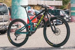 Bike Check: Maxime Folco's Blue Collar Trans Vesubienne Trek Top Fuel