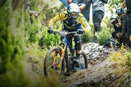 Video: Martin Maes, Noga Korem & Wyn Masters Take On EWS Pietra Ligure