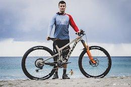 Bike Check: Charles Murray's Pivot Firebird 29