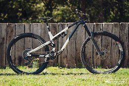 Bike Check: Cecile Ravanel's Commencal Meta AM